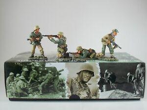 King & Country. German Afrika Korps. 'Attack'. 4 Piece Set. AK16. Retired. MIB