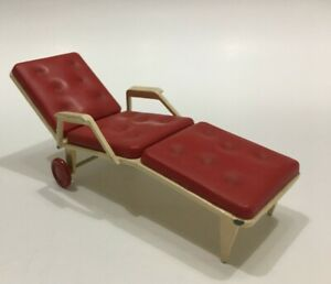 VINTAGE DOLLS HOUSE CHAISE LOUNGE RED METAL