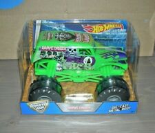 2016 MONSTER JAM GREEN GRAVE DIGGER 1/24 SCALE