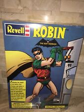 REVELL ROBIN THE BOY WONDER RETRO CLASSIC 1/8TH SCALE PLASTIC MODEL KIT