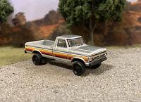 1977 Ford F-250 4x4 Lifted Custom 1/64 Diecast Truck Farm Off Road 4WD Mud F-100