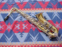 SELMER  TENOR SAXOPHONE  1244 USA  GREAT FOR THE STUDENT !