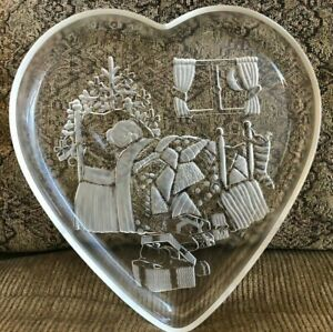 "Mikasa Christmas Dream Heart Shaped Glass 12"" Serving Platter"