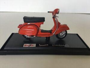 MAISTO 039540 1:18 VESPA GTR 1968 RED TOY MODEL SCOOTER MODS