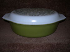 Pyrex Green Verde Milk Glass 2 1/2 Quart Casserole with Lid Free Shipping