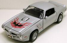 "Motormax 1973 Pontiac Firebird 1:24 scale 8.5"" diecast model car Silver M76"