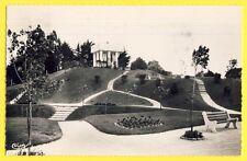 cpsm de 1957 RIVA BELLA (Calvados) Jardins TERRASSE de la TABLE d'ORIENTATION