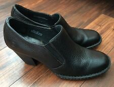 BORN Low Ankle Boots Women 8.5 Black Pebbled Leather Heel Shoes Slip On Bootie
