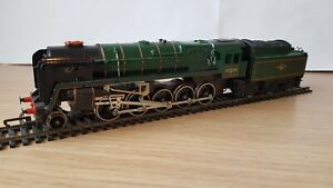 Hornby 9F 92220 Evening Star Steam Loco (early model)