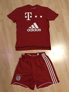 FC Bayern Trikot Kinder Größe 152, mit Hose