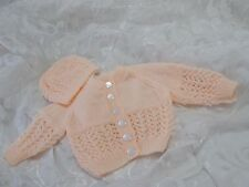 HAND KNITTED BABY CARDIGAN AND HAT SET PEACH LACY ROUND NECK AGE 0-3 MONTHS NEW