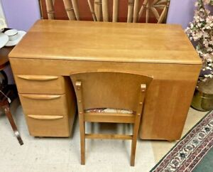 HEYWOOD WAKEFIELD CHAMPAGNE MID CENTURY MODERN WRITING DESK AND CHAIR