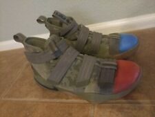 Nike Lebron Soldier XI 11 Mens Size 10 Basketball Shoes Olive 897646 200 RB