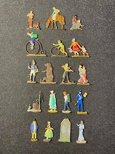 Flat tin soldiers, 19 figures, A set of city dwellers figures.