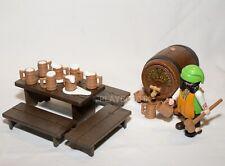 PLAYMOBIL MOYEN AGE - tavernier - nombreux accessoires, table, chopes, tonneau