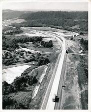 Near BLUESTONE BRIDGE c. 1950 - Turnpike West Virginia - USA 166