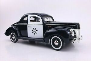 Motormax Emergency Service Police 1940 Ford Sedan 1:18 Diecast **DAMAGED**