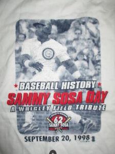 1998 SAMMY SOSA No. 21 CHICAGO CUBS A Wrigley Field Tribute (XL) T-Shirt w/ Tags