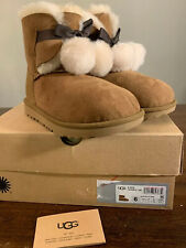 UGG KIDS GITA POM POM 1017403K CHESTNUT KIDS BOOTS, SIZE 6, BRAND NEW AUTHENTIC