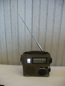 Grundig FR-200 AM / FM / SW Emergency Radio Built in Hand Crank Light Survival
