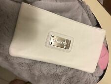 CLINIQUE WHITE FAUX LEATHER COSMETIC BAG with SILVER LINING NEW!