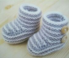 KNITTING PATTERN baby bootees striped slippers DK  boots easy quick knit (286)