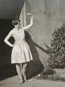 ANTIQUE VINTAGE FLAPPER GIRL TEEN ARTISTIC POSE A LITTLE TEAPOT BEAUTIFUL PHOTO