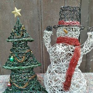 """Wire Christmas Outdoor Lights snowman & Christmas tree 28"""""""