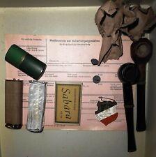 Soldaten Ausrüstung WK2   Feuerzeug Drehmaschinen Papier Pfeifen 2 Mützenknöpfe