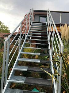 Not-Treppe  Aussentreppe mit 3,1 m Bauhöhe Vollverzinkt oder Pulverbeschichtet