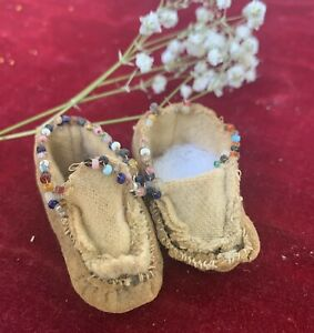 Antique Early Native American Moccasins Dew Hide For Folk Or Bisque Doll