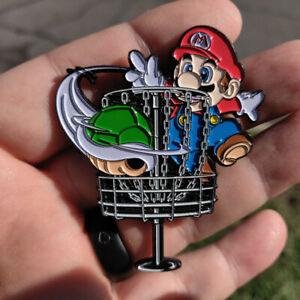 Disc Golf - NEW 2 1/2 metal Bag, hat, lapel pin