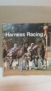 (1975 ?)  HARNESS RACING TEACHING  PAPERBACK ~ 32 PAGES