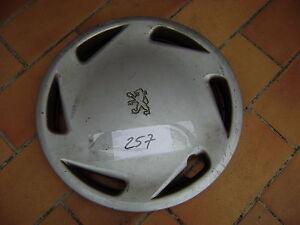 """ENJOLIVEUR de roue EDELWESS PEUGEOT 15""""  -257-"""