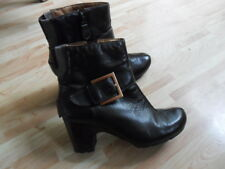 Clarks ankle boots size 5 brown leather zipped