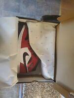 Nike Air Jordan 1 Mid Chicago Black Toe 554724-069 Size 9.5