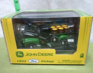 JOHN DEERE pick-up truck 1942 replica Ford farming NWT diecast toy Gearbox 2005