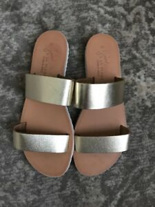 Joie a La Plage Italian Sandal - Women's Size 36 Gold With White Rubber Sole New