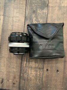 Nikon Nippon Kogaku NIKKOR-H Auto f/1.8 1:1.8 f=85mm 226170 Lens With Nikon Bag