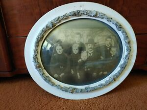 ANTIQUE VICTORIAN FAMILY of 8 PORTRAIT CONVEX BUBBLE GLASS WOOD GESSO OVAL FRAME
