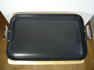 All-Clad Non Stick Double Burner Griddle with Handles, 20 x 13 in VERY NICE COND