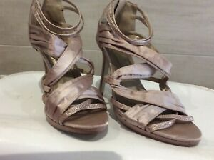 NOVO Womens evening shoes worn once size 9