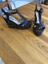 Mantaray Size 6 Brown High Wedge Sandals T Bar