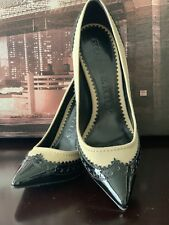 SUPER CUTE!*** Burberry Patent Leather Heels Black and Beige Pumps SIZE 6M