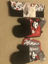 Nwt Disney Mickey Mouse & Minnie Mouse Oven Mitts & Pot Holders
