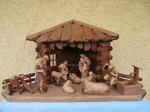 Weihnachtskrippe-Holz-mit LEPI Figuren-Handarbeit