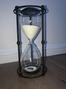 Vintage/Retro style Large Hourglass Metal Egg Timer