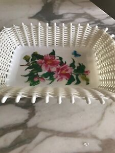 Norleans Made in Greece White  Floral Basket Weave Plastic Floral Dish