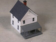 Z Scale 2 Story White House with pitched front porch