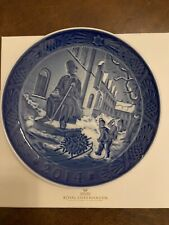 Royal Copenhagen 2014 collectible blue Christmas Plate With Box